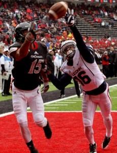 Chris Moore 1-handed TD